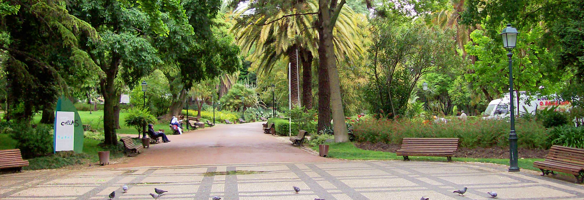 Jardim da Estrela à Lisbonne a des lacs