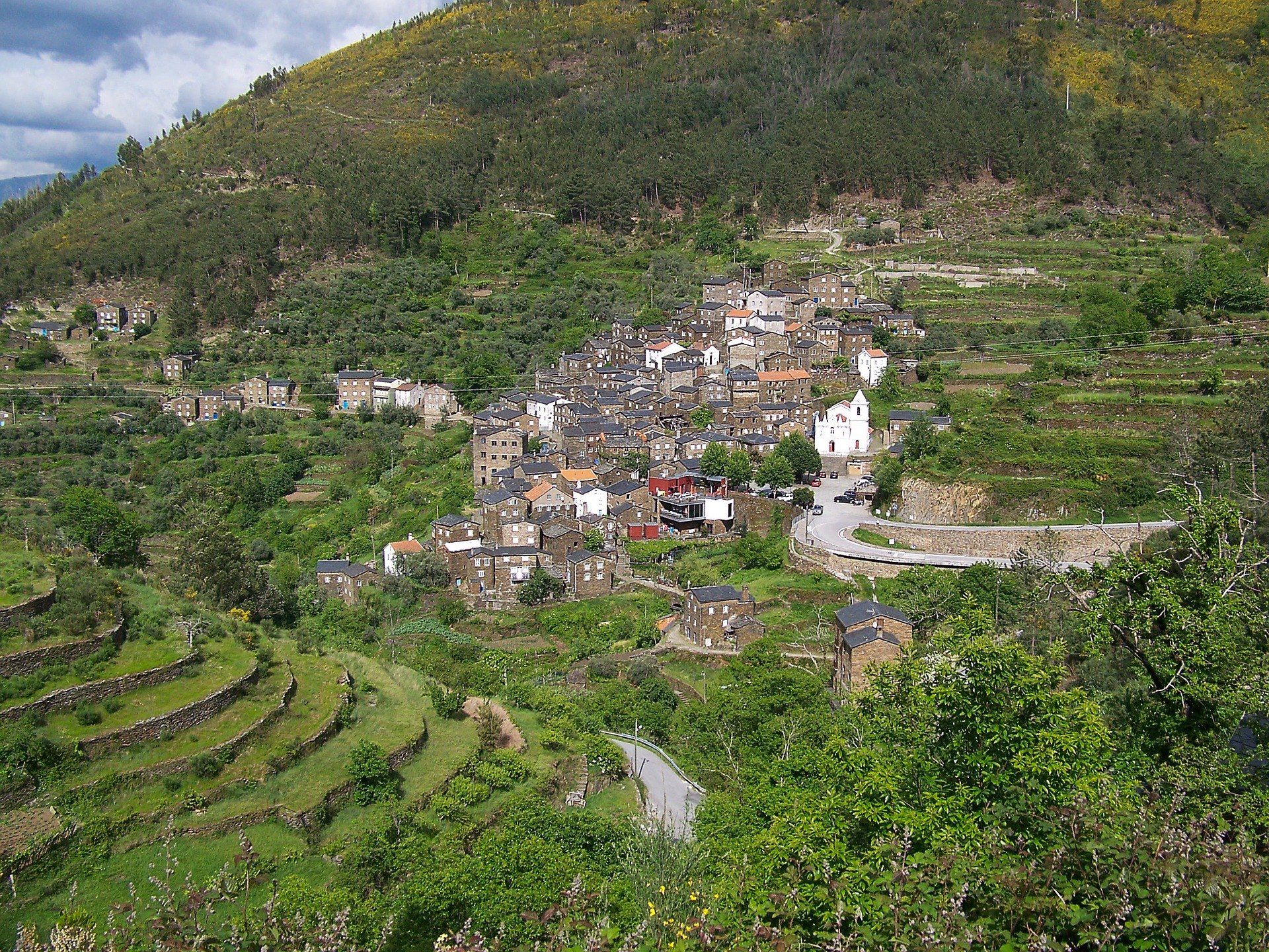 villages au portugal sont des merveilles. Black Bedroom Furniture Sets. Home Design Ideas