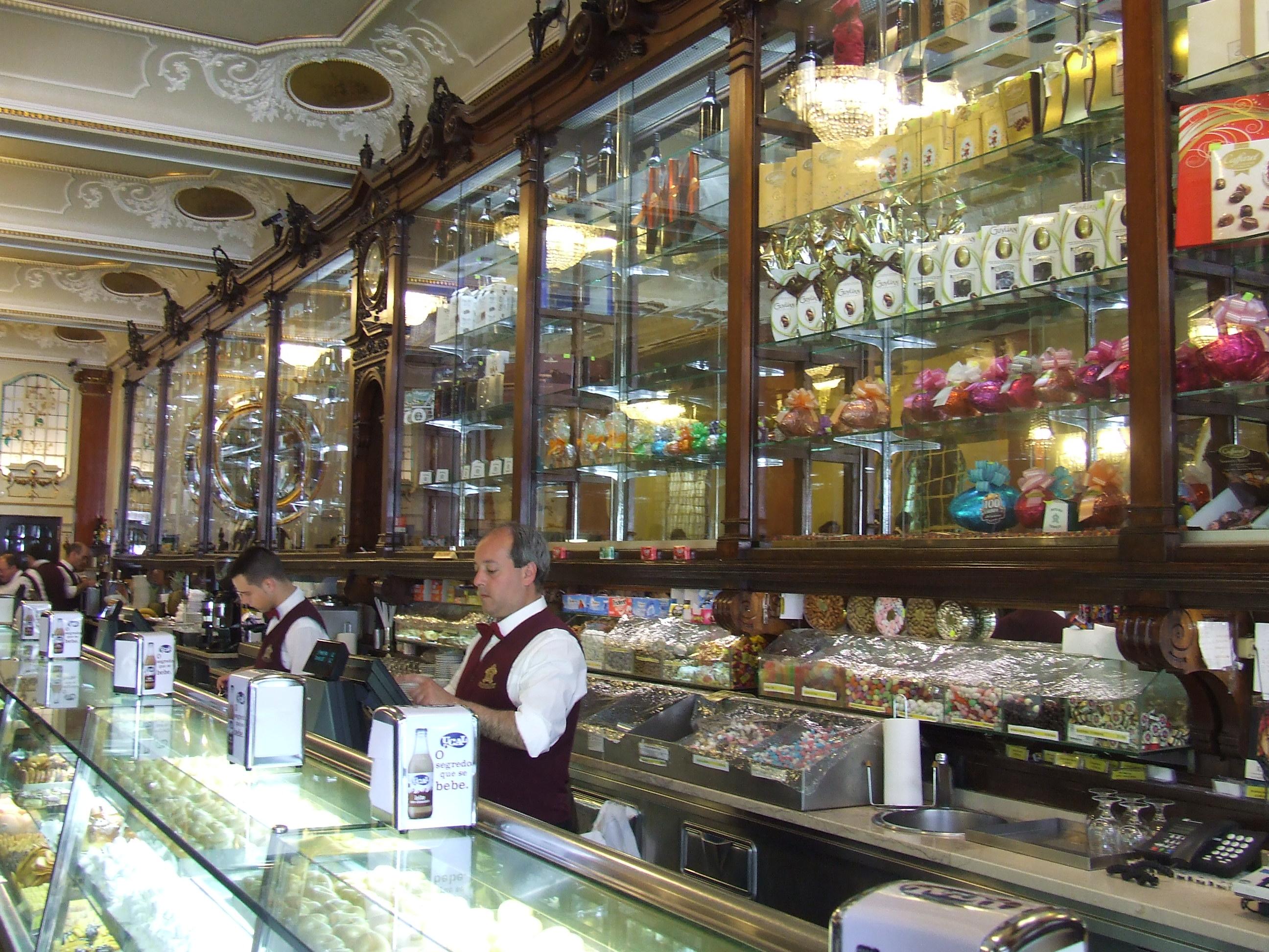 Cinq caf s plus iconiques lisbonne - Office de tourisme lisbonne ...