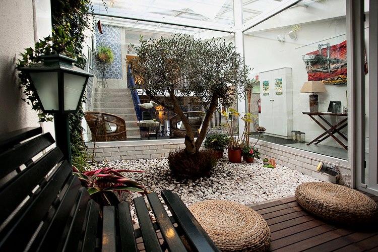 d couvrez une s lection d 39 auberges de jeunesse au portugal. Black Bedroom Furniture Sets. Home Design Ideas